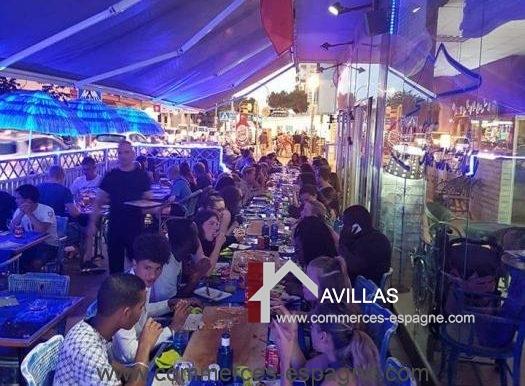 pizzeria-na- tarantella-terrasse-longueur-clients-COM17021