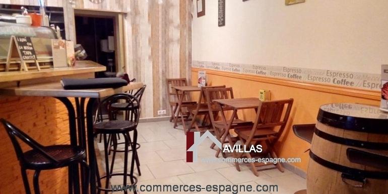bar-tapas-ca-la-meri-roses-salle-entrée-COM17040-900x506