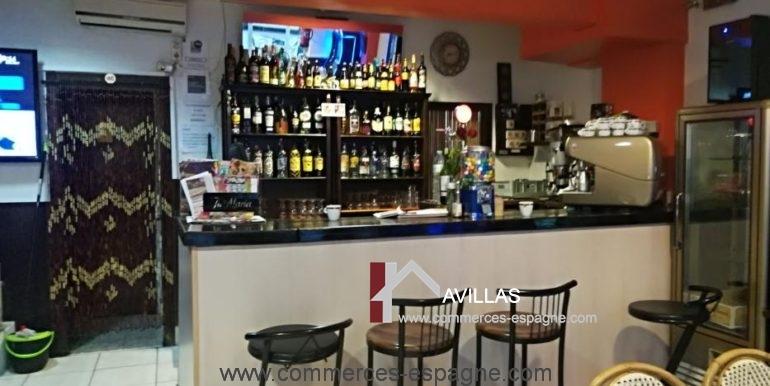 bar-restaurant-uno-rosas-comptoir-COM17041
