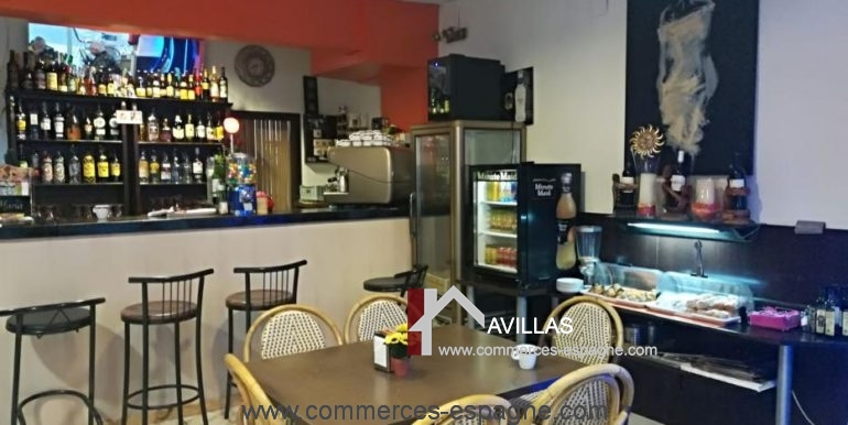 bar-restaurant-uno-rosas-salle-coin-COM17041