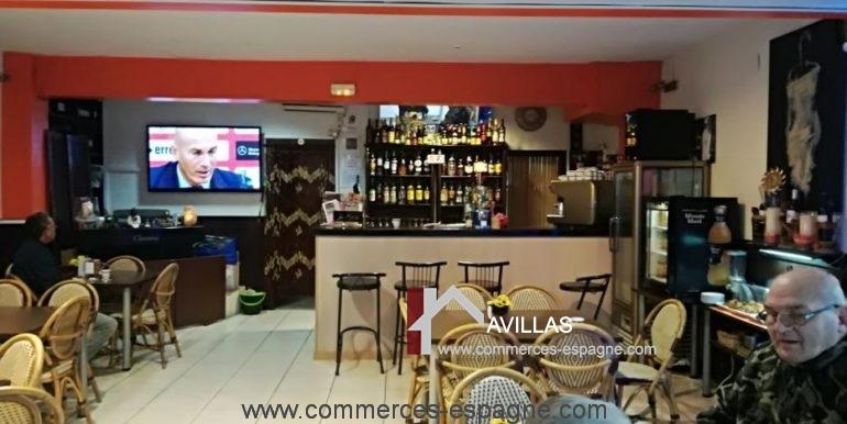 bar-restaurant-uno-rosas-salle-droite-COM17041