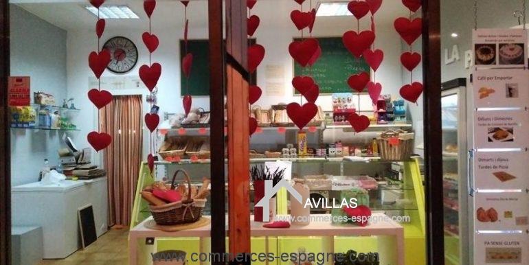 boulangerie-salt-vitrine-2-COM17044