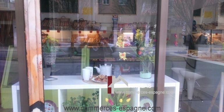 boulangerie-salt-vitrine-3-COM17044