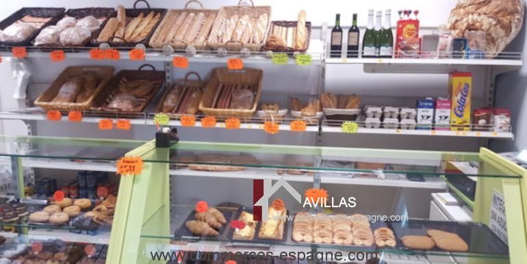 boulangerie-salt-vitrine-interieur-2-COM17044