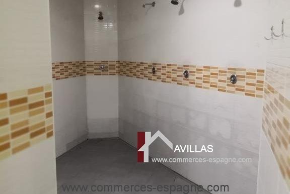 commerces-espagne-alicante-com35035-foot-en-salle-douches