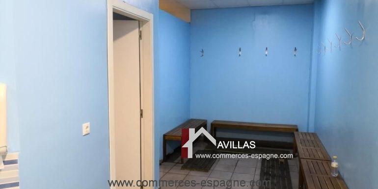 commerces-espagne-alicante-com35035-foot-en-salle-vestiaires