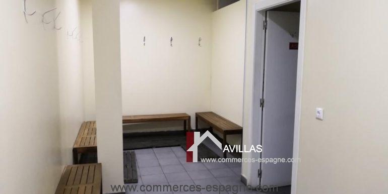 commerces-espagne-alicante-com35035-foot-en-salle-vestiaires2