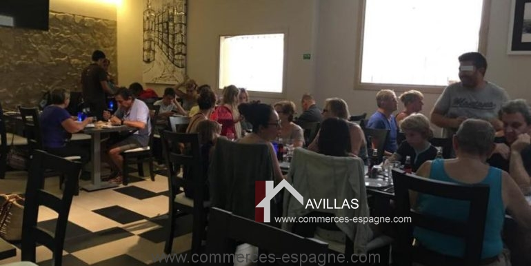 restaurant-paco-palamos-salle-clients-COM17038