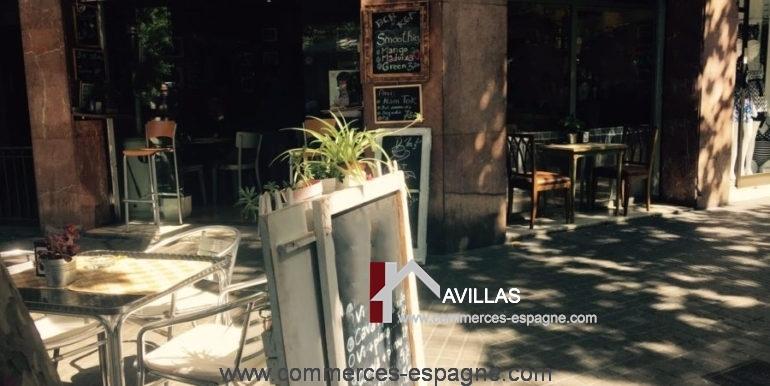 commerces-espagne-barcelona-COM15033BARCAFJORDI4-900x675
