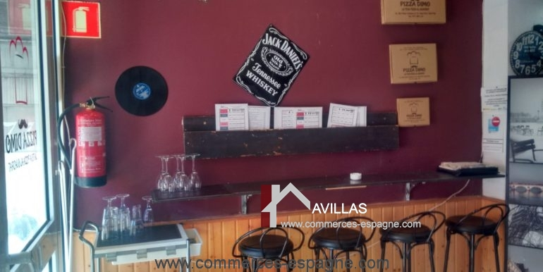 commerces-espagne-tarragona-COM15041PIZZAKATE6