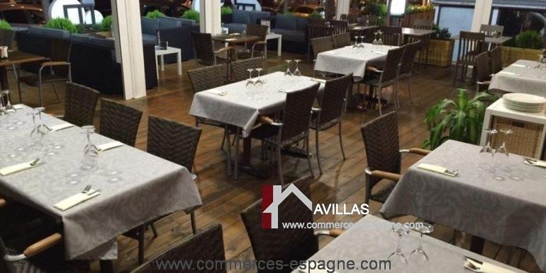 bar-restaurant-playa-de-aro-com17048-salle-dressée