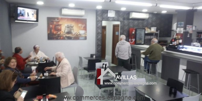 commerces-espagne-com35042-el-campello-cafeteria-salle