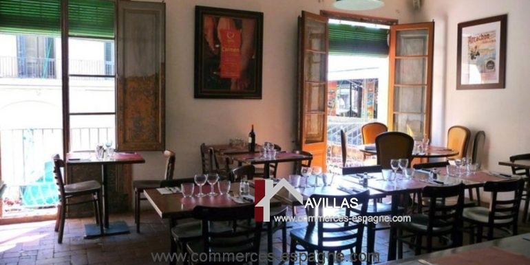 restaurant-français-barcelone-com17066-tables-dressées