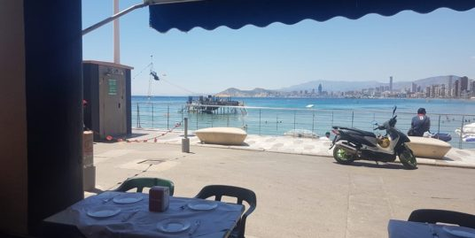 Benidorm, Bar Tapas Restaurant, face mer.