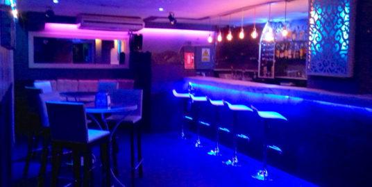 Marbella, Bar de nuit
