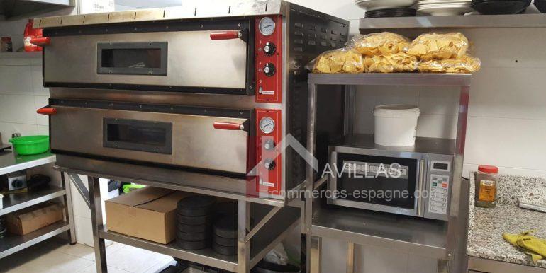 commerces-espagne-com-denia-restaurant-com12001-four-et-micro-ondes