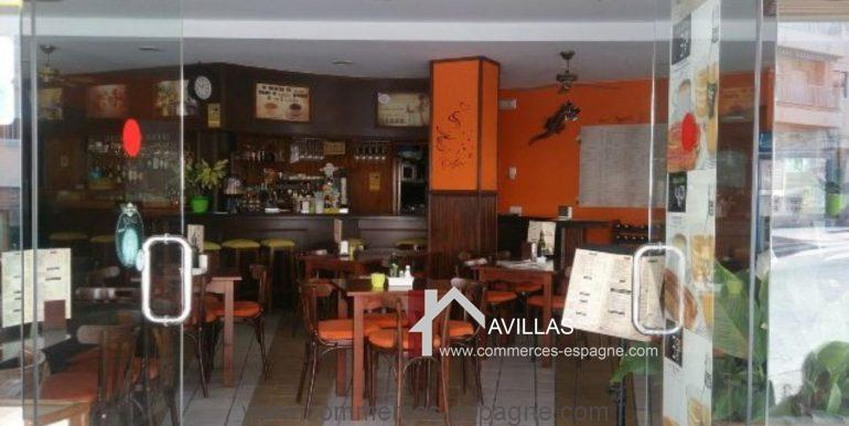 malaga-commerces-espagne-COM42025-entrée du  restaurant