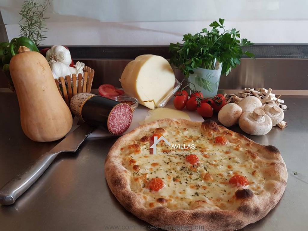 Pizzeria à Torrevieja, face mer