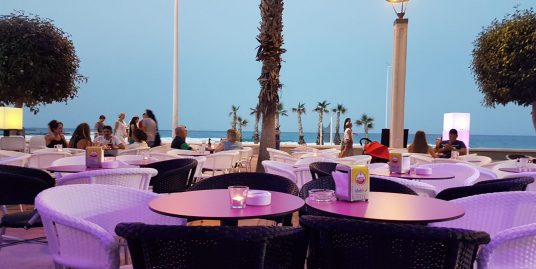 Alicante, bar, cocktails, lounge face à la plage