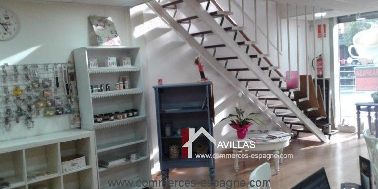 blanes-boulangerie-mis-dulces-escalier-COM17017