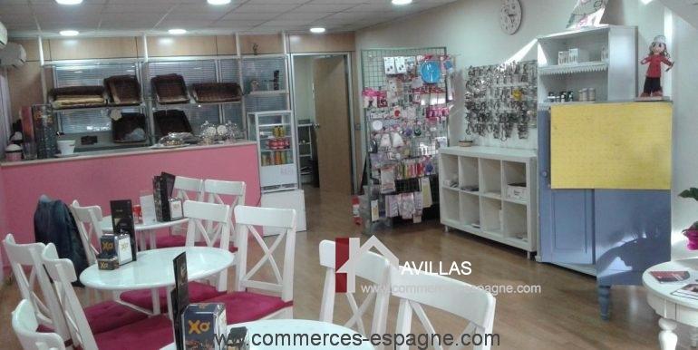 blanes-boulangerie-mis-dulces-salle-droite-COM17017