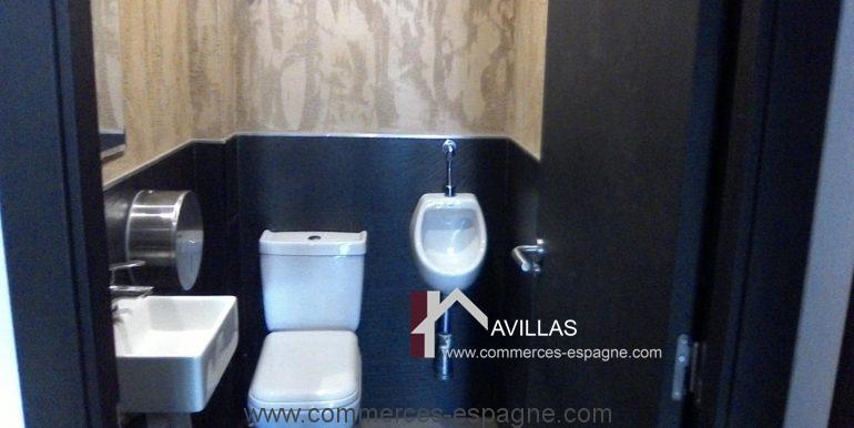 commerces-espagne.com toilet.44008.jpg