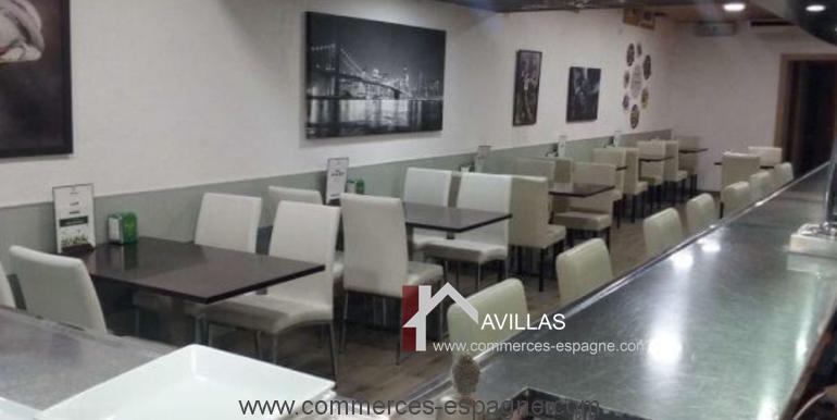 bar-restaurant-cafeteria-cafe-jazz-80-s-salle-droite-blanes-COM17043
