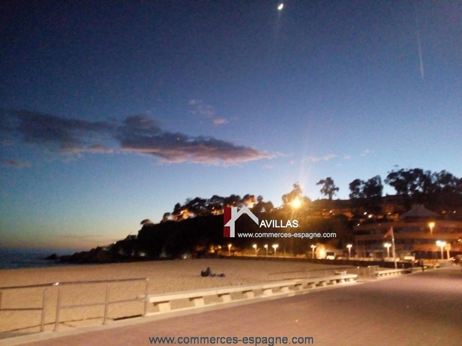 Rosas, local commercial face mer, Costa brava