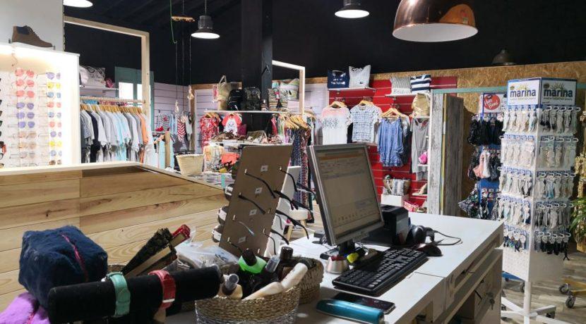 commerces-espagne-com35047-el campello-magasin de vétements-caisse
