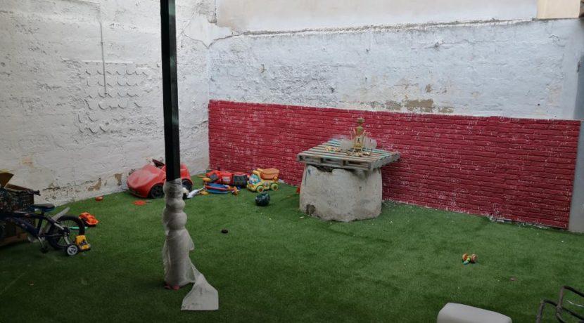 commerces-espagne-com35047-el campello-magasin de vetements-patio