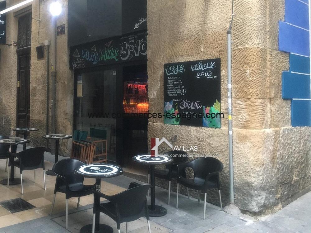 Bar de nuit à Alicante, centre historique