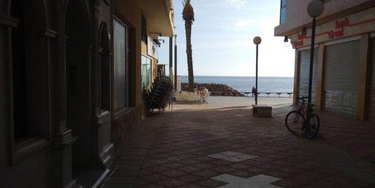 Pizzeria à Torrevieja, vue mer