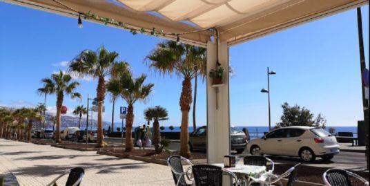 Restaurant à Tenerife, face mer