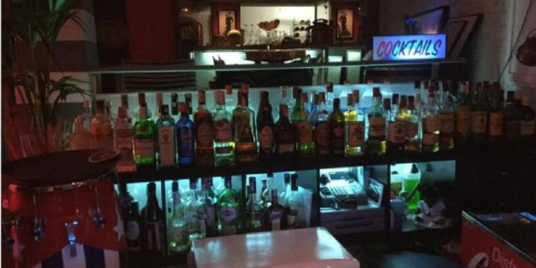 Torremolinos-bar de nuit-com20283-6