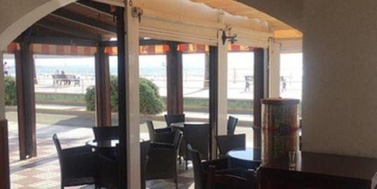 Bar Tapas à Cadix, face mer