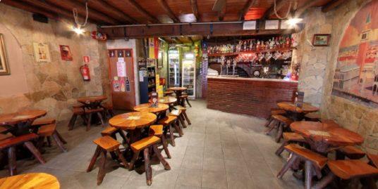 Bar avec 3 appartements à Lloret de Mar