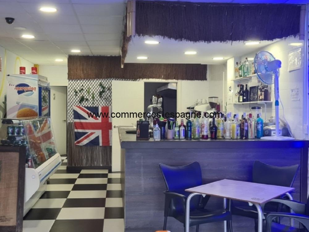 Bar cafeteria à Benidorm, Levante, face mer