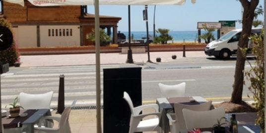Pizzeria à Estepona, face mer