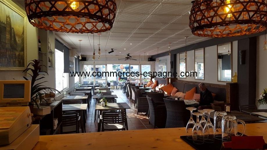 Bar restaurant à Albir, centre ville