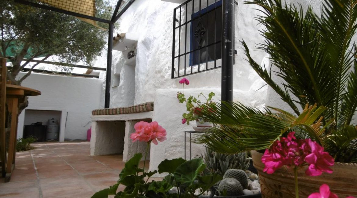 Cave-house-for-sale-Baza-85